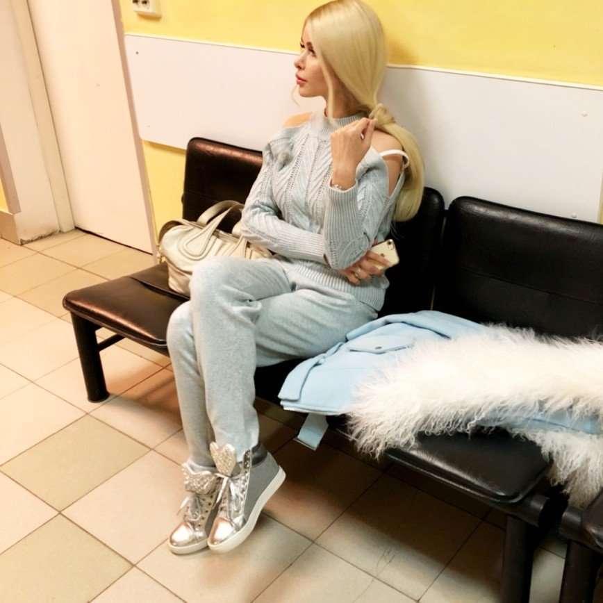 «Опять муж?»: травмированная Алена Кравец попала в больницу