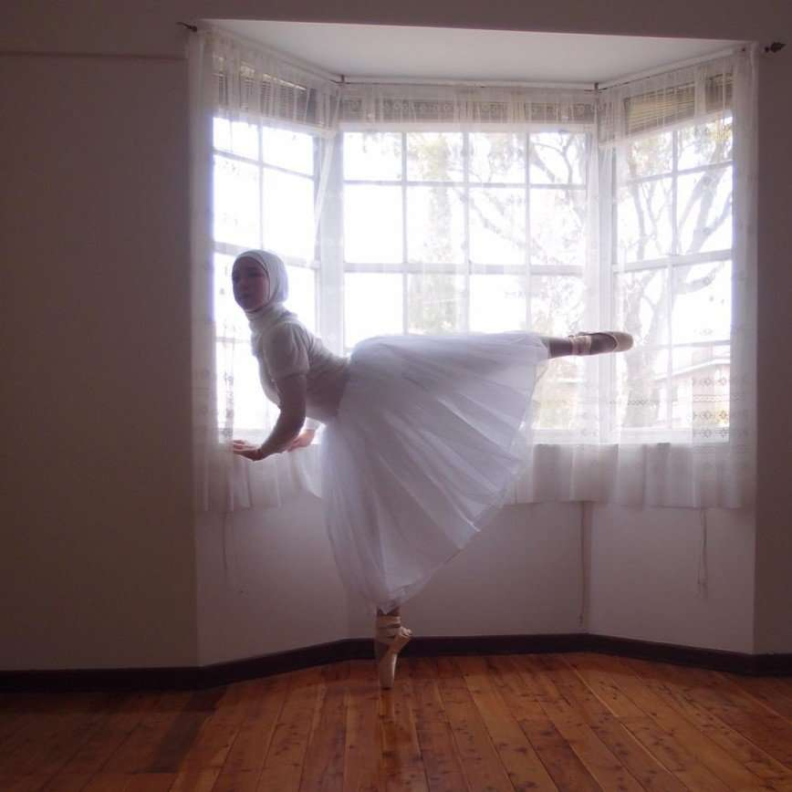 14-летняя австралийка хочет стать первой в мире балериной в хиджабе