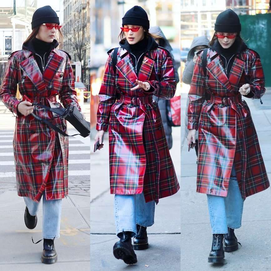 «Зима, холода»: Белла Хадид утеплилась для прогулки по Нью-Йорку