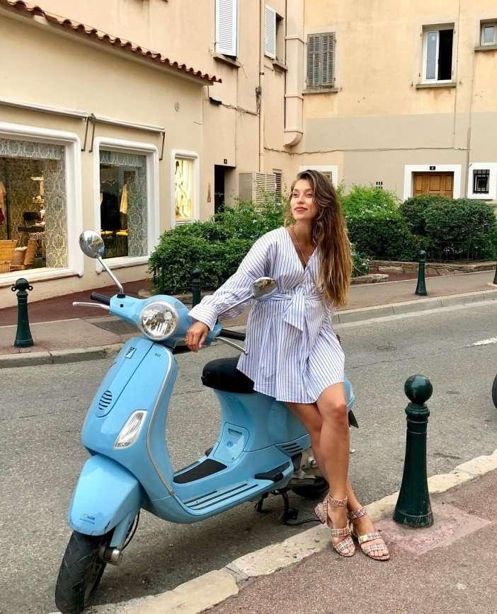 «Родит, но не признается»: почитатели находят смешным молчание Регины Тодоренко