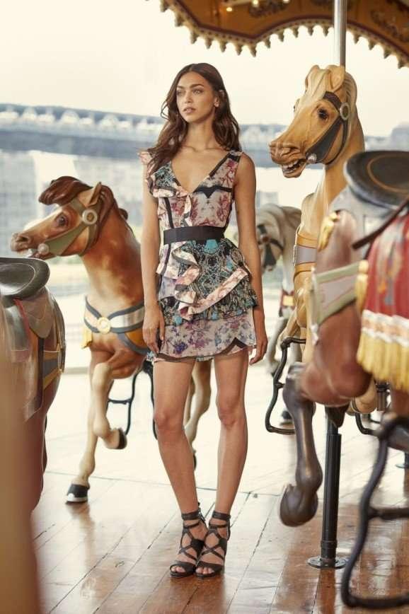 Идем в парк аттракционов в платьях от Nicole Miller