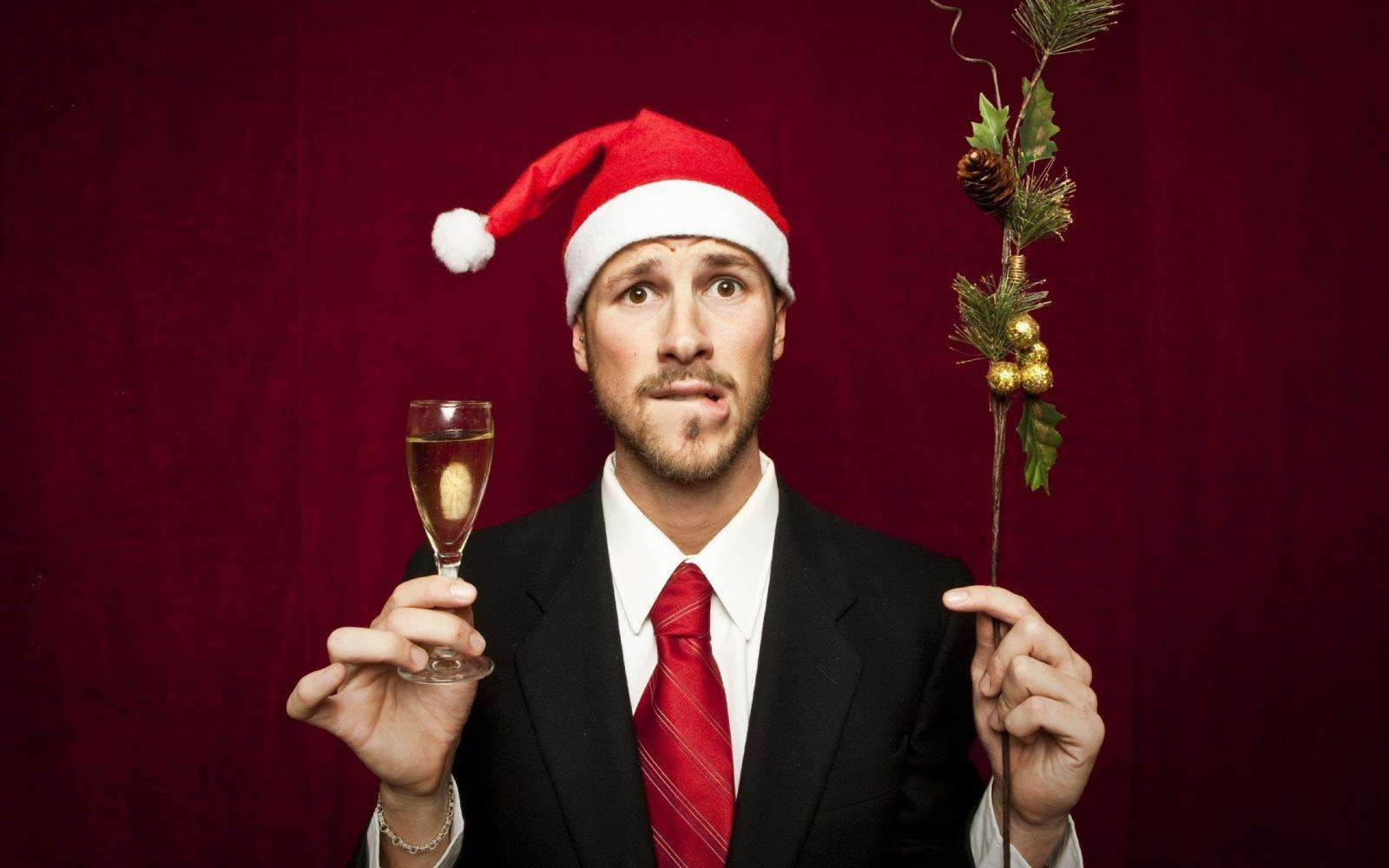 Как запомнить всех на новогодней вечеринке: простые и понятные каждому механизмы